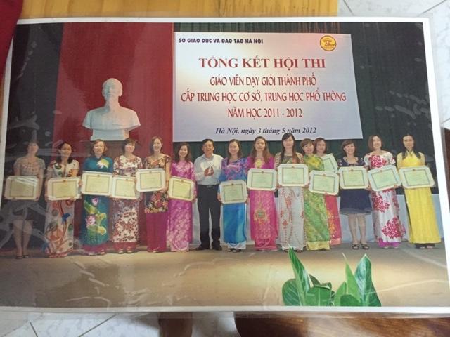 Cô giáo Vũ Thị Hường đạt giải nhất thi Giáo viên dạy giỏi môn Địa cấp Thành phố